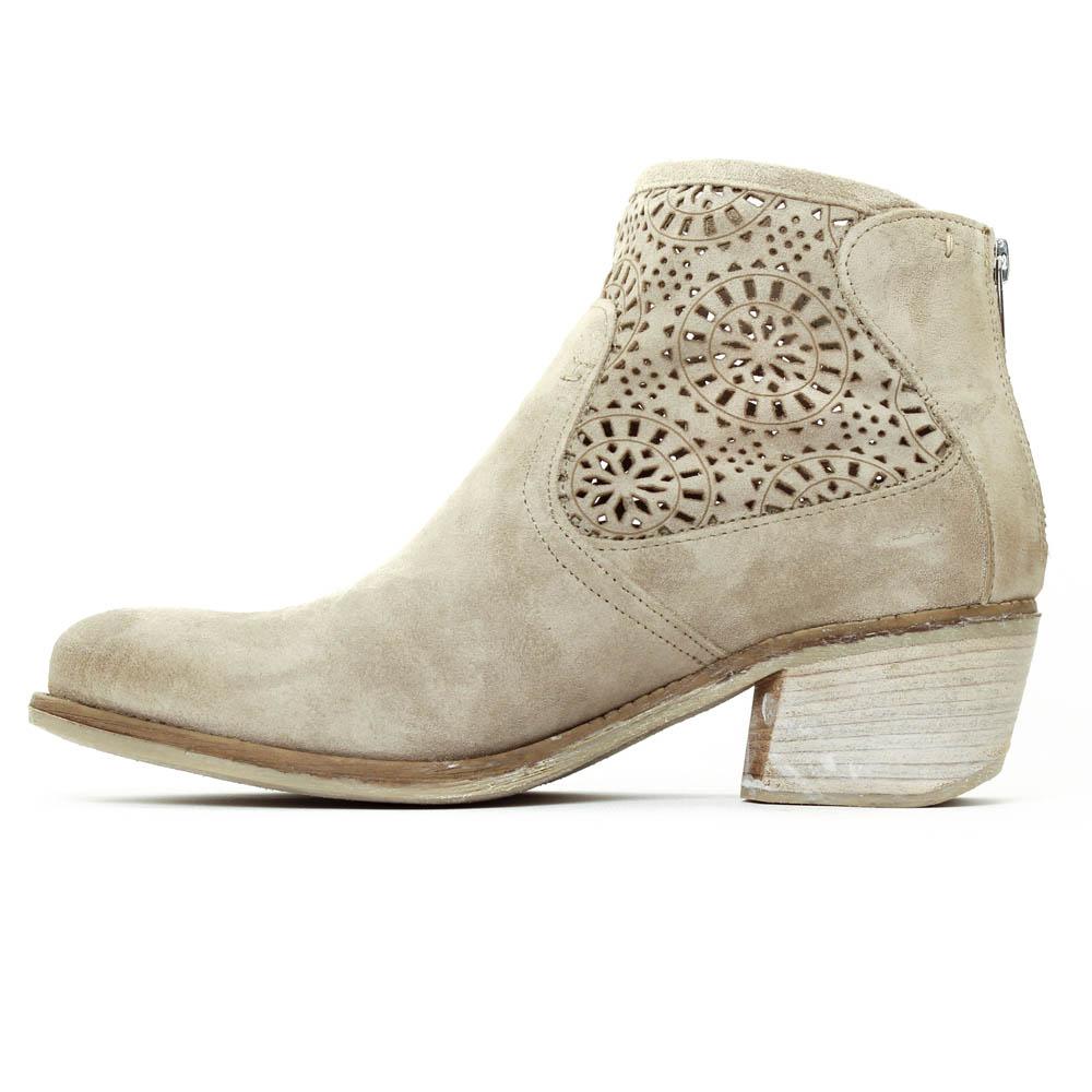 e6b462a77468 Je veux trouver des boots femmes qui tiennent chaud et stylé pas cher ICI  Boots femme printemps ete 2016