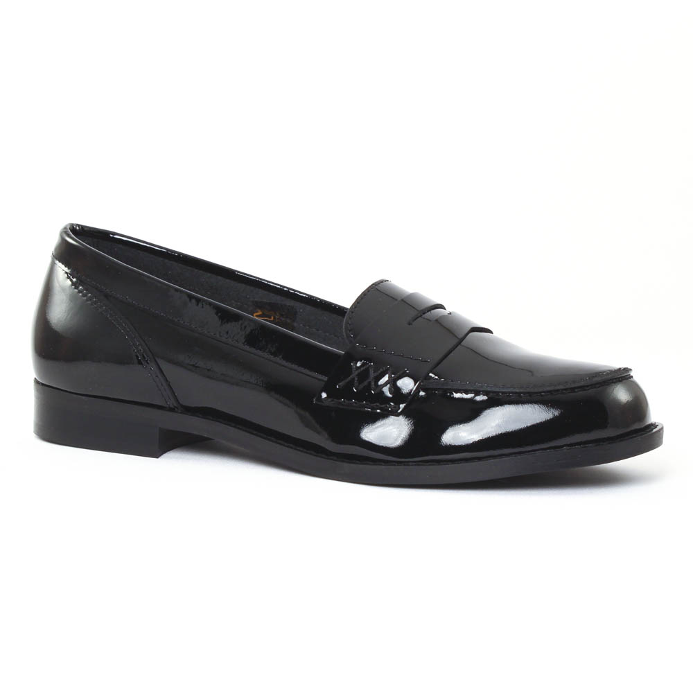 Les mocassins vernis ont plusieurs avantages que beaucoup de femmes ignorent. À commencer par leur style diversifié qui s'adapte à chaque personnalité. Sur la toile ou dans les magasins de chaussures, découvrez un large choix de modèles qui mettront en valeur vos plus belles tenues.4/5(1).