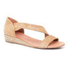 espadrilles-compensees beige: même style de chaussures en ligne pour femmes que les Scarlatine