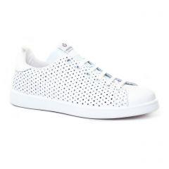 tennis blanc: même style de chaussures en ligne pour femmes que les Marco Tozzi