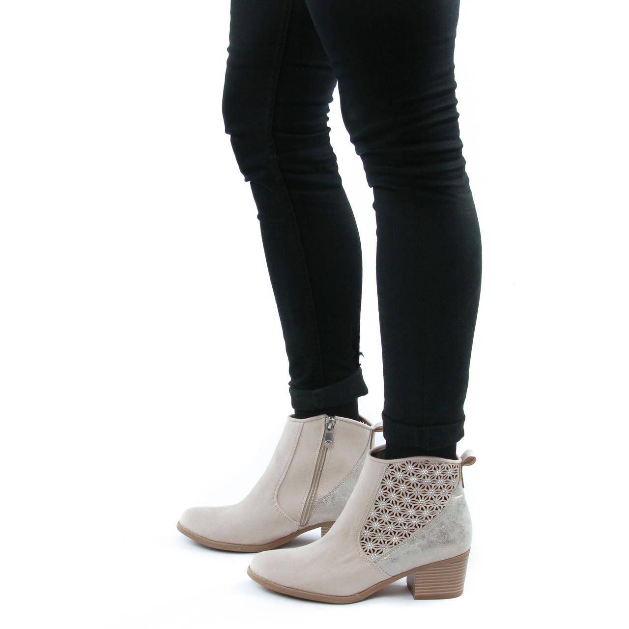 Bottes femme en ligne: acheter des bottes montantes, d'été