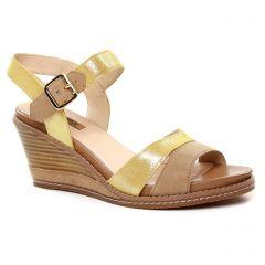 nu-pieds-talons-compenses jaune: même style de chaussures en ligne pour femmes que les Fugitive