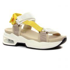 Chaussures femme été 2021 - sandales compensées Xti jaune beige