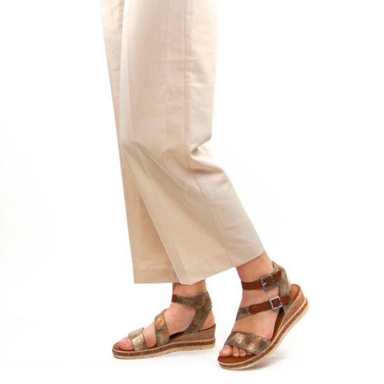 Chaussures femme été 2021 - nu-pieds compensés Remonte marron bronze