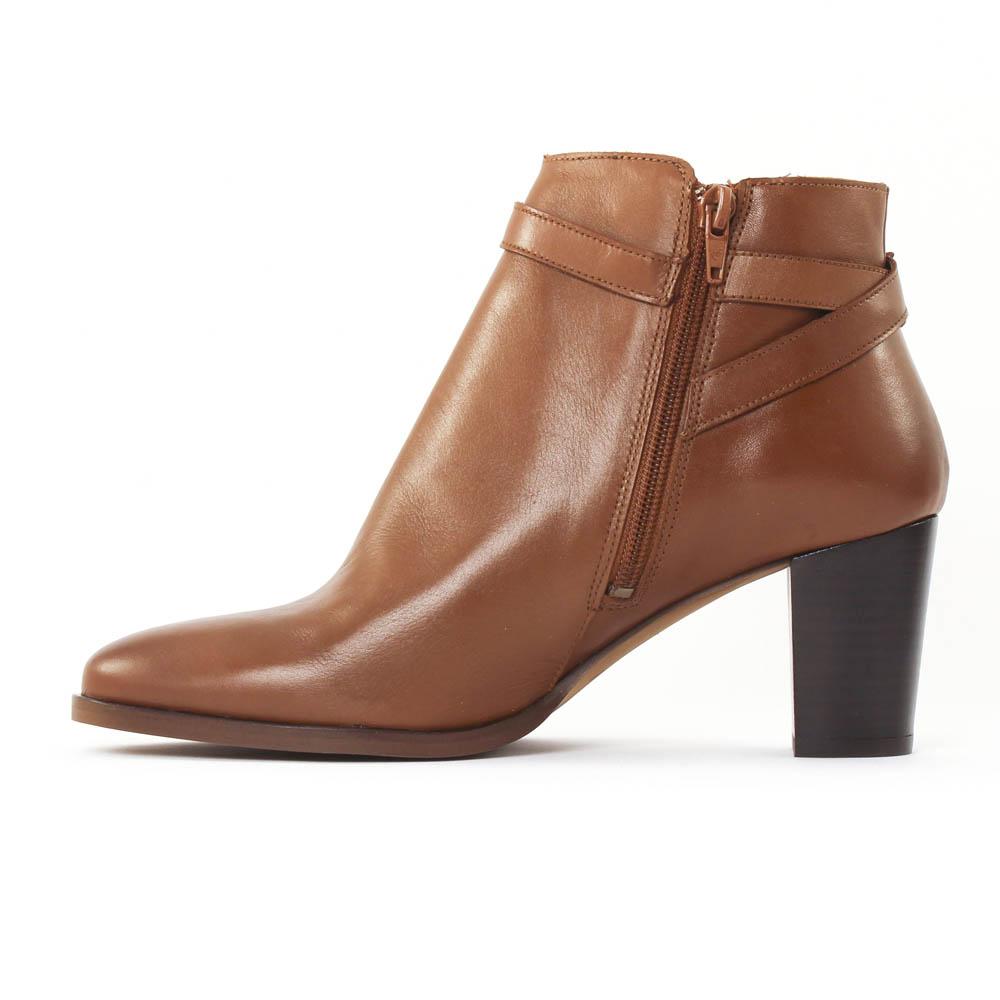 scarlatine 77305 cognac boot talon marron automne hiver chez trois par 3. Black Bedroom Furniture Sets. Home Design Ideas