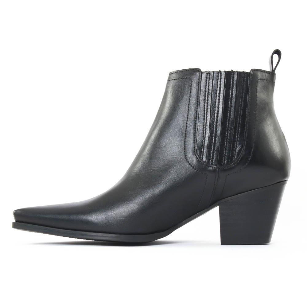 scarlatine 77100 noir boot talon noir automne hiver chez trois par 3. Black Bedroom Furniture Sets. Home Design Ideas