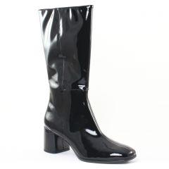 bottillons vernis noir: même style de chaussures en ligne pour femmes que les Fugitive