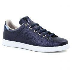 tennis bleu: même style de chaussures en ligne pour femmes que les Victoria